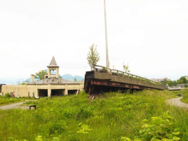 金比羅火口災害遺構散策路2