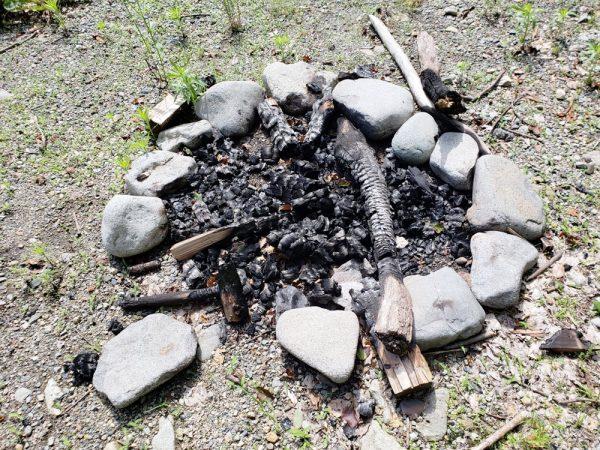 キャンプマナー焚き火